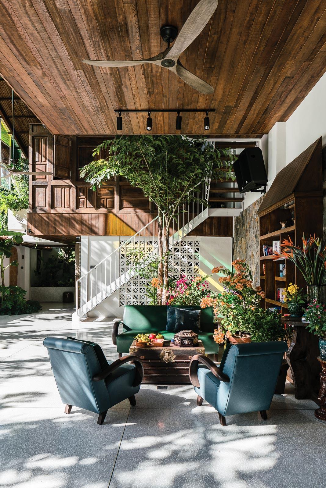 Ngôi nhà chan hòa với thiên nhiên, ánh nắng buổi sáng ghé thăm mọi không gian tầng trệt 5