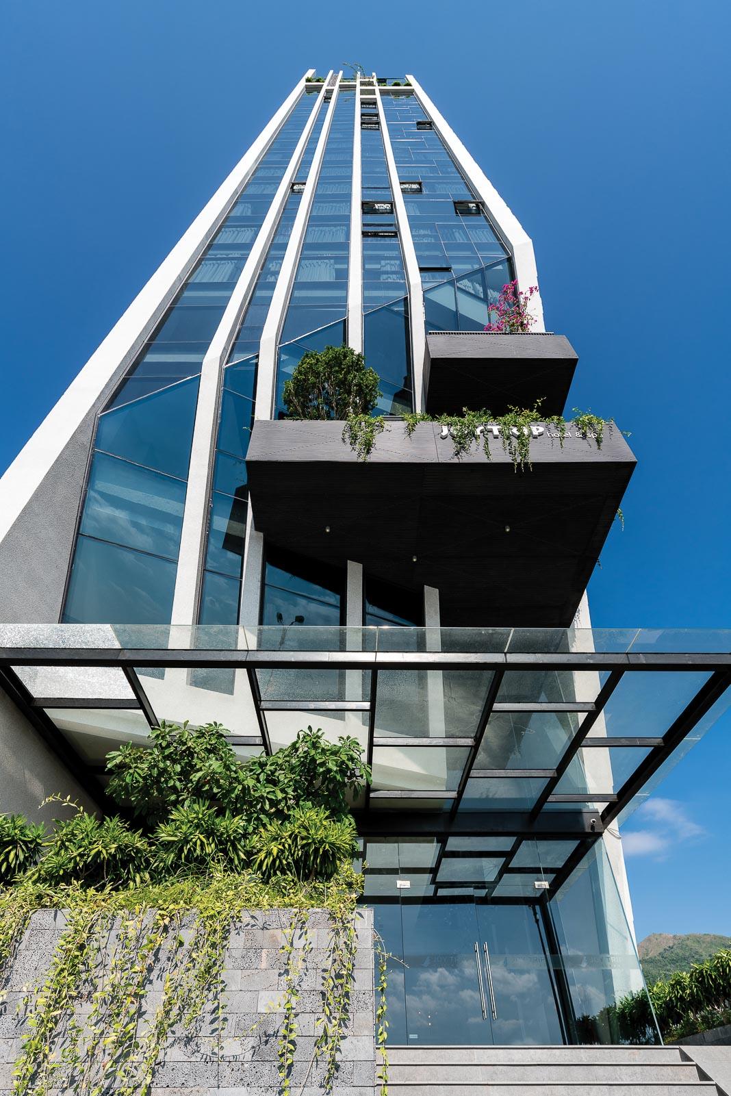 Joy Trip Nha Trang Hotel - một thiết kế vận dụng triết lý Cho và Nhận của Phật giáo do HML Architecture thực hiện 2