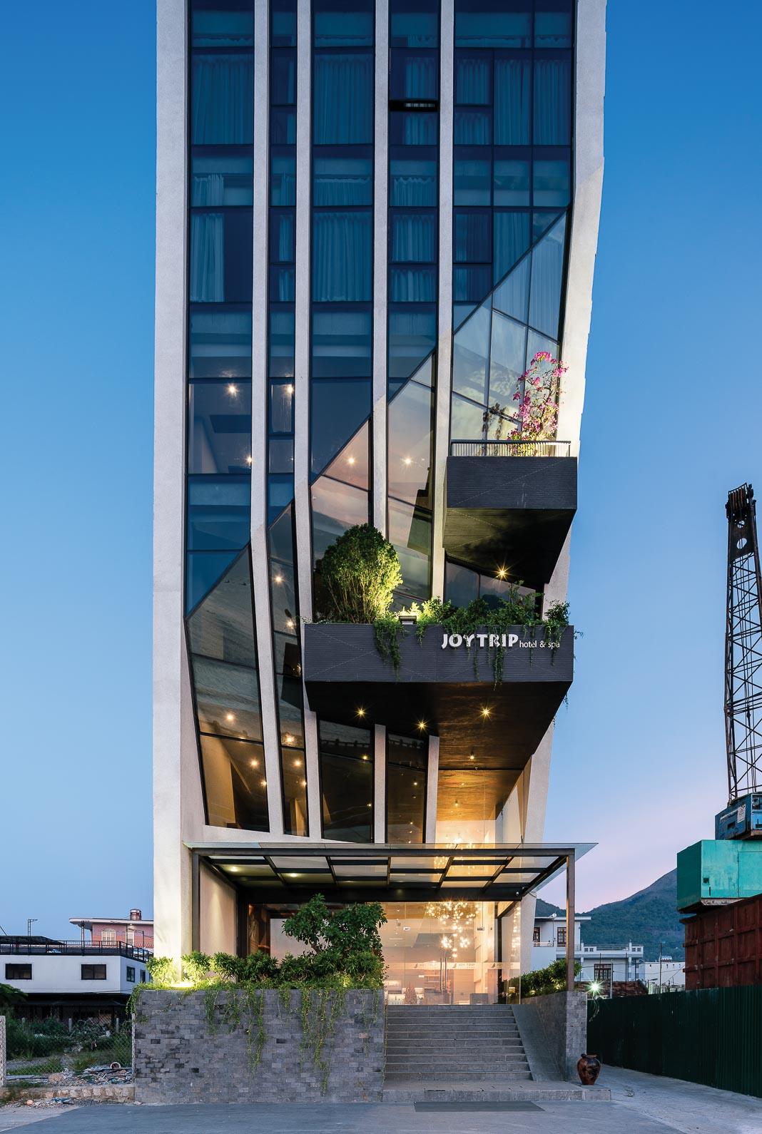 Joy Trip Nha Trang Hotel - một thiết kế vận dụng triết lý Cho và Nhận của Phật giáo do HML Architecture thực hiện 3