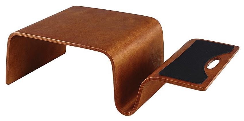 Bàn laptop Figaro, giá tham khảo: 799.000 đồng(Showroom UMA)