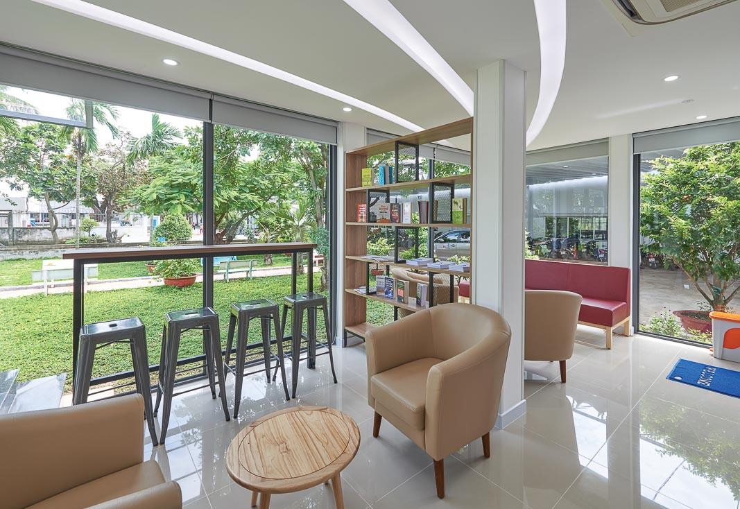 Đóng - mở đúng mức tạo thông thoáng trong không gian thư giãn tại văn phòng 2